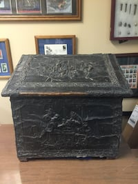 1700's VINTAGE COPPER EXTRA LARGE EMBOSSED WOOD FIRE BOX FROM ENGLAND Dalton
