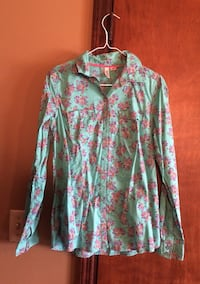 Floral Button Up Size M Cookeville, 38501
