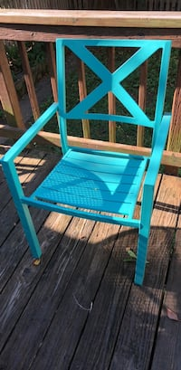 4 outdoor chairs 25 each