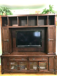Brown wooden TV stand (negotiable) Passaic, 07055