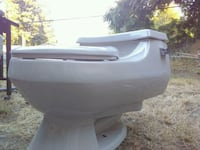 Kohler elongated toilet Seattle, 98168