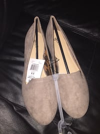 Size 8.5 shoes Mississauga, L5N 8A8