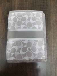 New Authentic Coach Passport Holder, Excellent Condition 10/10 Clearview, L0M
