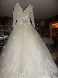 Gloria vanderbilt white Wedding Dress Size 14 Nashville, 37211