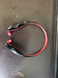 black and red Bluetooth neckband Wenatchee, 98801