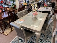 Shamrock Table and beautiful 4 chairs (silver/grey) Temple Hills, 20748