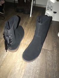 Brand new women's uggs size 7 Kings Park, 11754