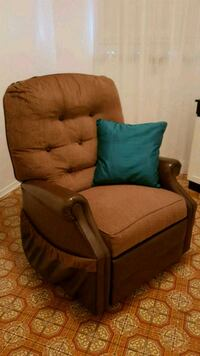Great Price!! Recliner with heater!! Vaughan, L6A 0K1