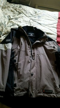 Misty Mountain parka jacket mens medium