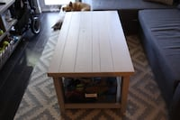 Solid wood coffee table Toronto, M5A 2Z3