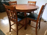 Extendable dining set Vancouver, V6G 2H8