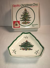 "Spode Christmas Tree Triangular Small Tray 6"" Freehold, 07728"