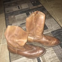pair of brown leather boots Widefield, 80911