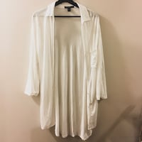WHITE BLOUSE | LONG SLEEVE BUTTON-UP TOP SWS | SIZE S/P Toronto, M8Y 4G9