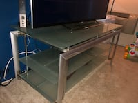 Entertainment Center/TV Stand Fountain Valley, 92708