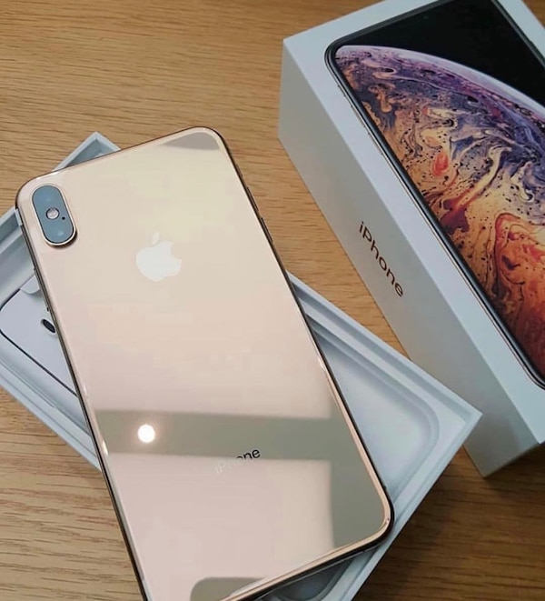 buy popular c9ce2 c7155 iPhone XS Max Gold 256GB With free airpods
