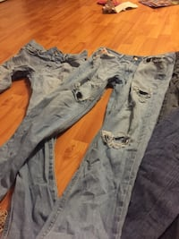 Hollister .levis ,American eagle,hm,old navy men's jeans for 8$ really good condition Whitby, L1R 2V8