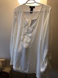 White fancy dress blouse size 1X still has tags never worn brand new asking $10 see pictures  3738 km