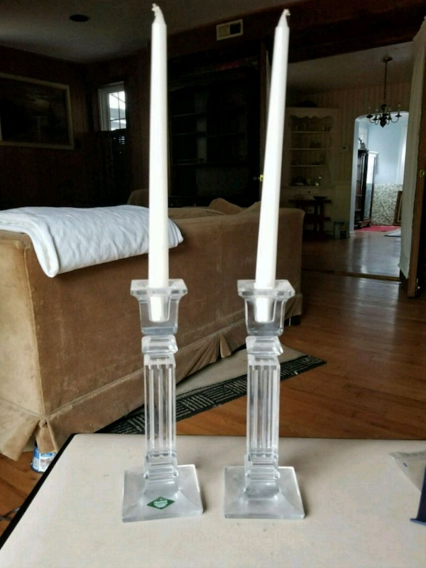 Pair lead crystal candle holders 9cef1ee0-adef-4b51-be4c-e7094a8473ba