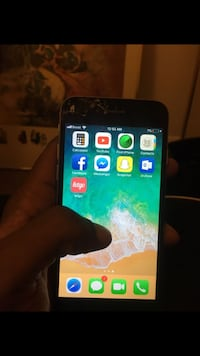 Black iphone 6 Cracked Screen Cleveland, 44106