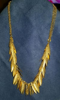 Vintage Gold tone dangle necklace Essex, 21221