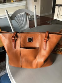 Dooney and Bourke purse Alexandria, 22310