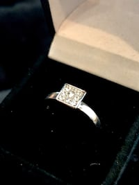 Sterling silver ring with diamond chips sz 8
