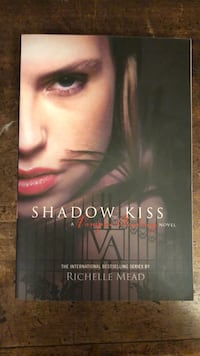 Shadow Kiss - Vampire Academy
