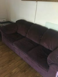 Couch and loveseat burgundy very comfortable Glendale, 91203