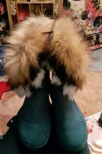 Never worn Blue furry boots Knoxville