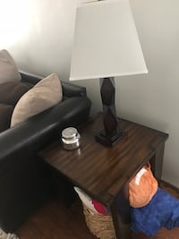 End table and 2 lamps Hermosa Beach, 90254