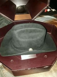 Stetson hat & carrier  Albuquerque, 87104