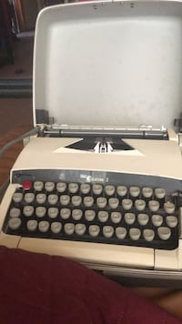 old  typewriter.  sears Citation 2 South Chicago Heights, 60411