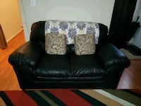 COUCH AND LOVESEAT (BLACK LEATHER)  10 km