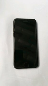 Iphone 7 black 32gb 8657 km
