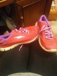 Tennis shoes size 7.5 San Angelo