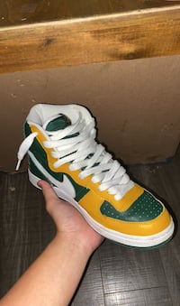 DS Nike Terminator High Seattle Supersonics 71 edition Gold Green Delta, V4C 2C3