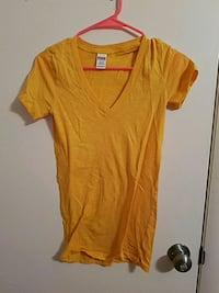 VS PINK V-neck tee Mount Joy, 17552