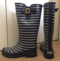 Dark blue-and-white striped Sperry rubber rain boots