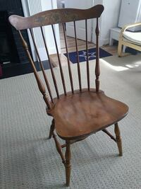 Vintage wooden 2 chairs Arlington, 22207