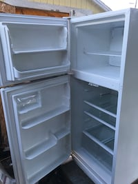 White top-mount refrigerator Elk Grove, 95624