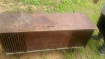 Antique cabinet stereo works