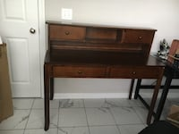 Wooden desk with hutch and chair Nashville, 37205