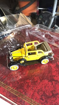 1932 ford sedan yellow Rio Rancho, 87144