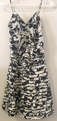Parker Silk Print Ruched Skater Dress size medium Cedarhurst, 11516