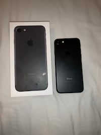 black iPhone 7 with box 555 km