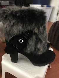 brand new luxury fur highheel boots size 8