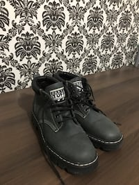 ROOTS Tuff Boots (Size 9) London, N5Y 3G3