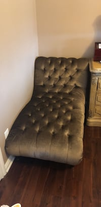 Tufted gray fabric sofa chair Shelby Township, 48315