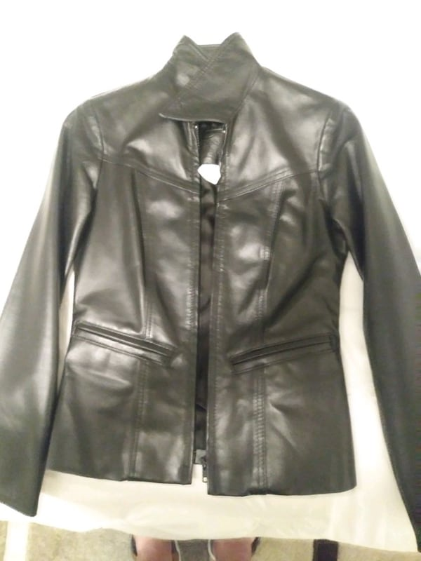 Size 0 woman's leather jacket asking for 500 OBO a679f2a1-81ed-4273-9508-d9030e4a658f